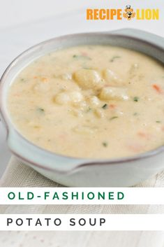 This old-fashioned potato soup recipe is creamy, rich, and totally delicious! Cream Soup Recipes, Vegetable Soup Recipes, Chicken Soup Recipes, Easy Soup Recipes, Supper Recipes, Cooking Recipes, Homemade Potato Soup, Creamy Potato Soup, Classic Potato Soup Recipe