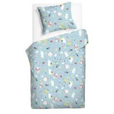 The Moomin Saga Duvet Cover set is perfect for the smallest members of the family. The best of stories are told under the covers. In the colourful world of Moomin there are lots of things for small eyes to discover and when sleep finally approaches it's a pleasure to fall asleep in a Saga of Moomin duvet cover. Finlaysons Moomin duvet- and pillowcovers are inspired by Tove Janssons original drawings and are authentic