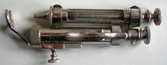 storia della siringa, histoire de la seringue, history of hypodermic syringe. Siringa automatica Lombardo