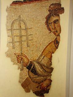 mosaic_female_sistrum2