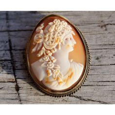 Victorian Neo-classical Large Shell Cameo Brooch and Pendant ($575) ❤ liked on Polyvore featuring jewelry, bezel pendant, shell cameo jewelry, sea shell jewelry, shell pendant and 14 karat gold jewelry