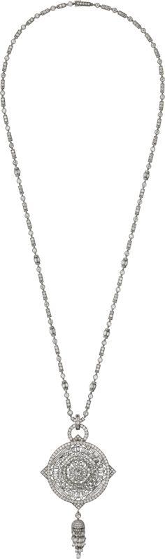 "CARTIER. {Close up} ""Diamas"" Necklace - platinum, one 0.69-carat G VS2 rose-cut diamond, briolette-cut diamonds, baguette-cut diamonds, rose-cut diamonds, brilliant-cut diamonds. #Cartier #ÉtourdissantCartier #2015 #HauteJoaillerie #HighJewellery #FineJewelry #Diamond"