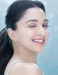 Bollywood Actress Hot Photos, Indian Bollywood Actress, Bollywood Girls, Beautiful Bollywood Actress, Indian Actresses, Beautiful Girl Indian, Beautiful Girl Image, Most Beautiful Indian Actress, Beautiful Heroine