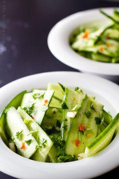 Σαλάτα με αγγούρι, φρέσκο κόλιανδρο και μοσχολέμονο - Salad with cucumber, cilantro & lime juice