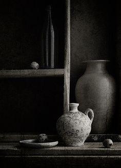 ♅ Dove Gray Home Decor ♅ dark grey vignette/ Gris Perle Reve Wabi Sabi, Kintsugi, Dark Flower, Still Life Photos, Photocollage, Gray Matters, Still Life Photography, Shades Of Grey, Interior Inspiration