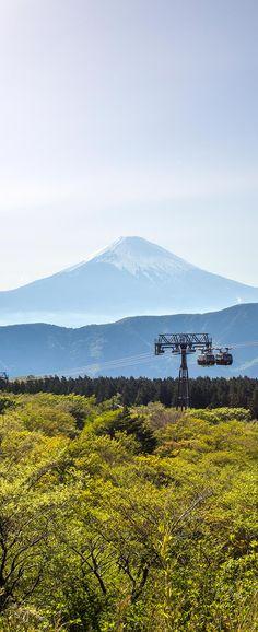 Riding the Ropeway is a great way to take in views of Mount Fuji China Travel, Japan Travel, Hakone Japan, Monte Fuji, Japon Tokyo, Japan Destinations, Toddler Travel, Japan Trip, Site Visit