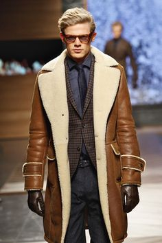 Caramel Leather Shearling 'Trench' Style Coat. Men's Fall Winter Fashion.