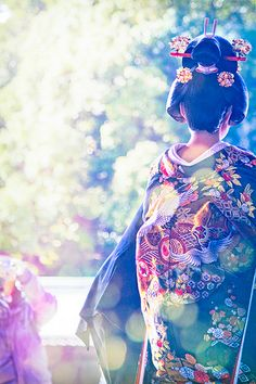 Hopeful Bride at Japanese Wedding. Absolutely STUNNING. If Mori-Chan could, she would so have a japanese wedding!