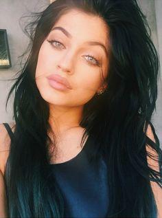 If Kylie had blue eyes