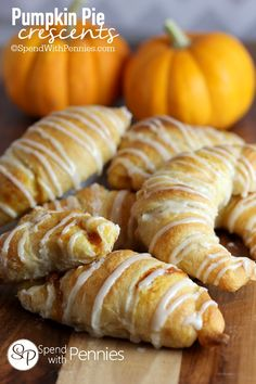 Pumpkin Pie Crescents ~ Fast & super-easy, uses canned pumpkin pie filling & a can of crescent rolls #dessert #snack