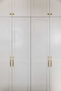 Keep up to date with interior designer Lauren Bradshaw Wall Wardrobe Design, Bedroom Built In Wardrobe, Closet Built Ins, Wardrobe Door Designs, Wardrobe Doors, Closet Designs, Closet Bedroom, Home Decor Bedroom, Ikea Wardrobe Hack
