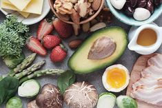 """How Is Keto Diet Different From Atkins-The Ketogenic Kitchen Low Carb. Extraordinary Health – """"A Better Way of Doing Keto"""" Weight Loss Meals, Healthy Dinner Recipes For Weight Loss, Healthy Snacks, Lunch Snacks, Keto Snacks, Keto Foods, Paleo Diet, Nutrition Diet, Dieta Paleo"""
