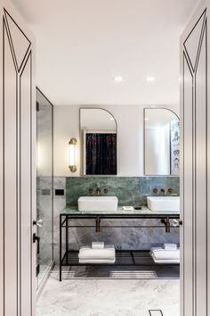 Little Albion Guest House is a boutique hotel on Surrey Hills with interiors that reflect the design aesthetics of Sydney from the and Surry Hills, Tadelakt, Style Deco, Terrazzo Flooring, Wet Rooms, Simple Bathroom, Bathroom Art, Bathroom Ideas, Shower Tub