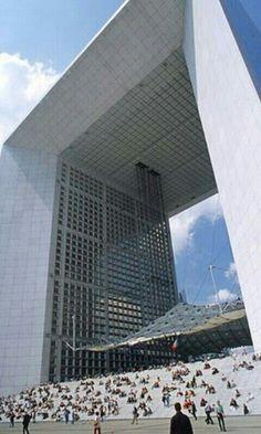 Arc de la Défense architecte Otto von Spreckelsen 1989 Paris
