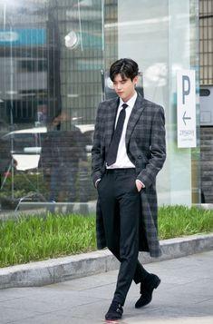 Lee Jong Suk Cute, Lee Jung Suk, Asian Actors, Korean Actors, Lee Jong Suk Wallpaper, Young Male Model, Lee Young, Han Hyo Joo, Yoo Ah In