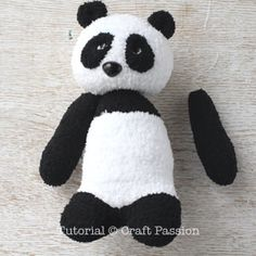 Sew a set of twin sock panda PaiPai & PeiPei with pair of white & black chenille microfiber socks. Free pattern with steps photo and printable template. Teddy Bear Patterns Free, Doll Patterns Free, Plushie Patterns, Free Pattern, Diy Sock Toys, Sock Crafts, Sewing Stuffed Animals, Stuffed Toys Patterns, Panda Socks