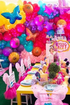 Check out this sweet Fancy Nancy birthday party! The balloon backdrop ia amazing!! See more party ideas and share yours at CatchMyParty.com  #catchmyparty #partyideas #fancynancy #fancynancyparty #girlbirthdayparty Balloon Backdrop, Balloons, Balloon Garland, Girls Birthday Party Themes, Birthday Parties, Theme Parties, Girl Birthday, Fancy Nancy, The Balloon