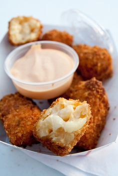 fried mac'n cheese bites with Sriracha mayo