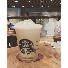 Too bad they took the hot cookie crumble off menu t'was my shortcut to heaven. Anyways the new flavor has Coffee Jelly so kinda sorted!  #Delhi #delhifoodie #delhigram #delhidiaries #delhi_igers #delhitimes #delhighted #cheesecake  #Indianfood #foodtalkindia #coffee #Starbucks