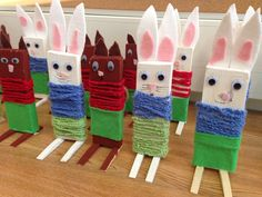 Kuvis ja askartelu 2 - www.opeope.fi Wood Crafts, Diy And Crafts, Crafts For Kids, Easter Arts And Crafts, Textile Fabrics, Art Plastique, Happy Easter, Handicraft, Special Events
