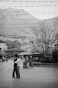 www.frostedprodutions.com | #utah #photographer #outdoor #photography #engagement #photo #ideas #cute couple #hugging #fall #mountains #strung #lights
