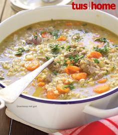 Dié voedsame sop is propvol geur. Genoeg vir: 8 Bereidingstyd: 30 minute Gaarmaaktyd: 2 uur 600 g...