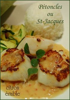 Scallops or scallops with maple flow and pink berries - Miss Diane's notebooks - Trend Appetizer Fine Dining 2019 Seafood Appetizers, Seafood Recipes, Pasta Recipes, Cooking Recipes, Quick Recipes, Light Recipes, Coquille Saint Jacques, Scallops, Fish And Seafood
