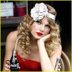 Vintage look,1930s headband with flower, curly long (goddess) hair in  red dress, red lips, and coca cola, coke ad with beautiful Taylor Swift signer song writer. I want all this... How do I get this hair? Pinup.