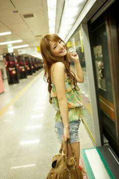 japanese body pillow girlfriend,body pillow creator,asian