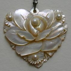 Vintage Carved Abalone Sterling Heart Pendant close.jpg 1,023×1,028 pixels