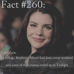 "979 Synes godt om, 10 kommentarer – Twilight Facts (@twilightfactss) på Instagram: ""~ QOTD: Who's your favorite superhero? - Autumn {#twilightsaga#stepheniemeyer#twifact260}"""