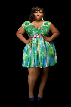 That belt is speaking my name! Where can I find this? Plus size fashion Curvy Fashion Summer, Curvy Girl Fashion, Plus Size Fashion, Petite Fashion, Style Fashion, Looks Plus Size, Curvy Plus Size, Plus Size Women, Plus Size Dresses