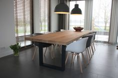 Tafels - Zwaartafelen | Made in Holland - Massief eiken tafel met stalen U