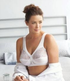 Discover our Glamorise plus size bras and lingerie for full-figured women 1b605ca67d3