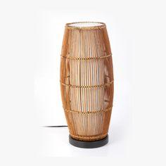 Diseño con bambú. 127 volt. 1 x 60W E26. 1 año de garantía. Modelo 20915M.
