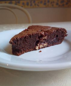 I know, I have tons of brownies recipes in my blog (english translations will come, sooner or later) but I can't resist!!!  brownies are amongst my favourite cakes!  this brownie cake takes inspiration from a Milka chocolate bar...