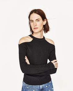 CUT-OUT SHOULDERS SWEATER
