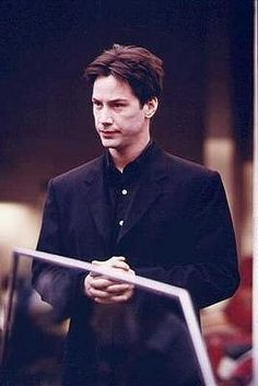 Keanu on the set of 'The Matrix' 1998 Keanu Reeves Young, Keanu Reeves Movies, Keanu Reeves John Wick, Keanu Charles Reeves, Keanu Reeves Constantine, John Constantine, Keanu Reeves Sandra Bullock, Keanu Reeves Pictures, The Matrix Movie