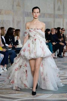 Giambattista Valli Fall 2017 Couture Fashion Show - Runa Neuwirth