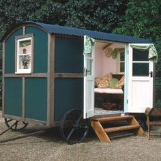 Shepherd's Hut: the forerunner of the modern day caravan.  I could gypsy this out big time!