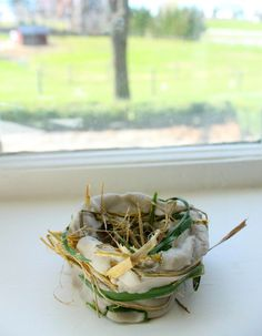 Make a birds nest with this fabulous 3 ingredient air dry clay and nature items! A fabulous nature craft for preschoolers!