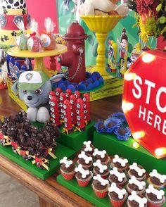 Detalhes da Festa da Patrulha Canina por Happily Made  Cupcakes Paw Patrol #pawpatrol #patrulhacanina #pawpatrolparty #festapatrulhacanina #dogparty #cupcakes #bonecupcakes #colorful #dog