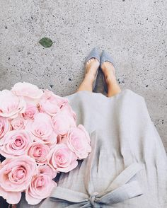 """1,112 Likes, 12 Comments - Veronica Popoiacu (@bittersweetcolours) on Instagram: """"#fbf to one of my favorite #fromwhereistand moments 🌸  Happy Friday to you all! #friday #flowers…"""""""