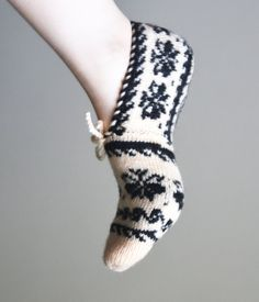 Your place to buy and sell all things handmade Knitted Slippers, Slipper Socks, Knitting Needles, Hand Knitting, Cultural Patterns, Turkish Design, Baby Boots, Ivoire, Just For You