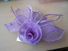 LILAC LAVENDER SINAMAY FLOWER &FEATHER FASCINATOR CLIP PIN FOR HAIR /CORSARGE