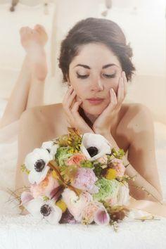Trendy Wedding, blog  idées et inspirations mariage ♥ French Wedding Blog: {séance boudoir de la mariée} Le parfait cadeau de...