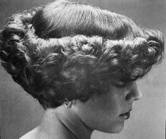 Curled up at the ends – O M - Perm Hair Styles Short Permed Hair, Permed Hairstyles, Retro Hairstyles, Curly Perm, Curly Short, Style Année 70, 70s Hair, Bouffant Hair, Air Dry Hair