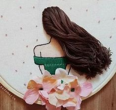 Hand Embroidery Projects, Hand Embroidery Videos, Hand Embroidery Flowers, Hand Work Embroidery, Flower Embroidery Designs, Creative Embroidery, Embroidery Hoop Art, Hand Embroidery Patterns, Embroidery Techniques