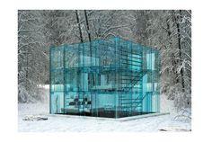 「ガラスの家」 住みたくはないけど、まるで浮いて生活しているみたいで面白い。