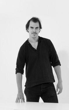 Portrait Lukas Klingbichel Portrait, Mens Tops, T Shirt, Design, Fashion, Guys, Supreme T Shirt, Moda, Tee Shirt